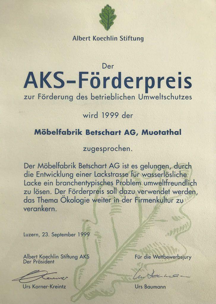 Auszeichnung von der Albert-Köchlin-Stiftung: Oberflächenbearbeitung mit Wasserlacken und -Beizen